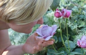 keep the smells natural when floating at home